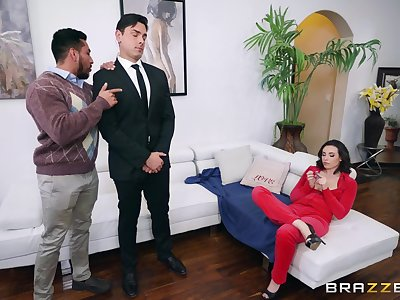 Married phone sex operator Casey Calvert fucks her bodyguard