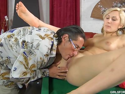 Nice Blond Hair Lady And Horny Superannuated Man
