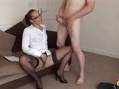 Underfed man strokes his dick added to gets a blowjob from Jessica Pressley