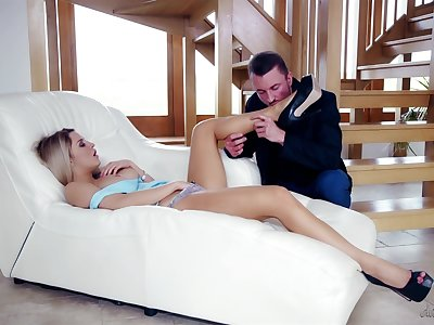 Guy provides her get under one's right foreplay at the ramming her pussy hard