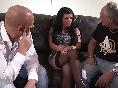 Gloom babe Amanda Blak enjoys screwing with two guys at once