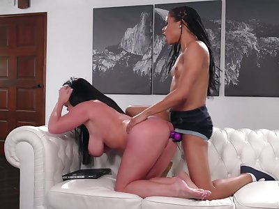 Thick white milf strapon fucked by a domme black chick