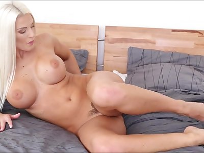 Babe and her vibrator have hot fun playing solo