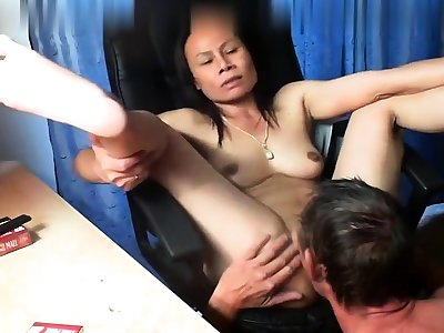 Thai asian milf mature drag inflate fuck anal